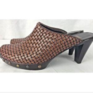 Stuart Weitzman Womens 6M Woven Leather Mules Heel